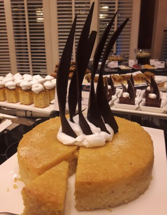 Moroccan Almond Yoghurt Cake