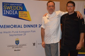 chef-mark-pheonix-and-fredrik-forsell-at-the-nobel-memorial-dinner-buffet-in-pune